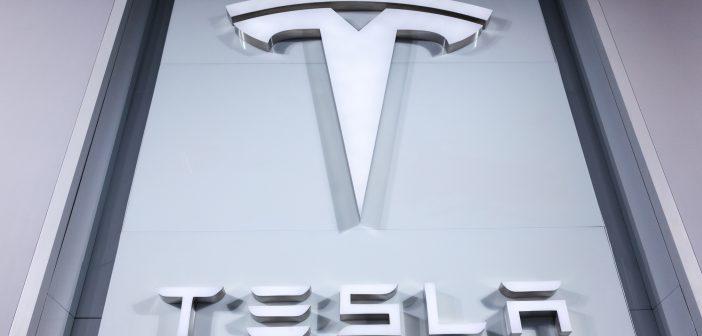 Tesla: Elektroautobauer erfreut Investoren