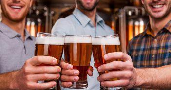 Bier, anstoßen, Bier anstoßen, Alkohol