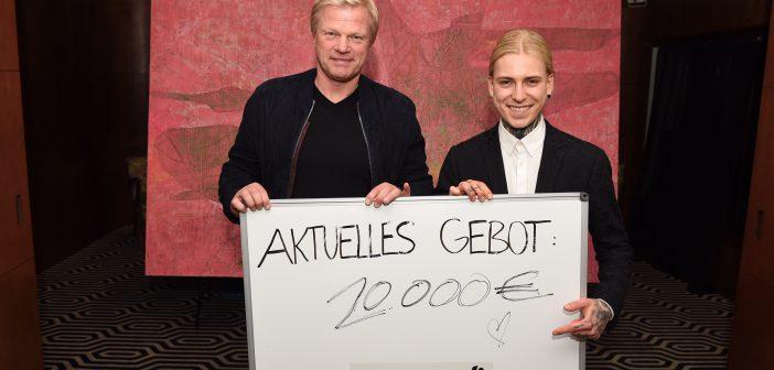 Emotion Artist Alexander Höller versteigert Bild für Oliver Kahn Stiftung