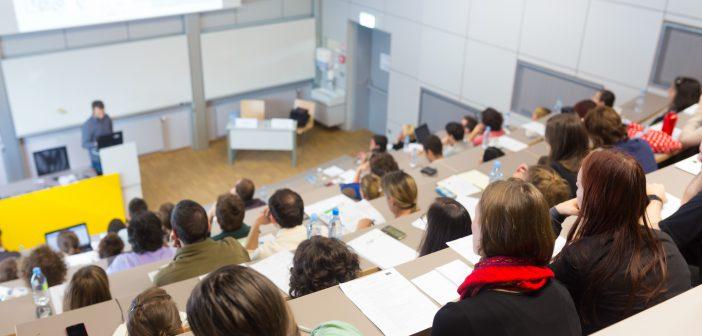 Öffentliche Hochschulen geben fast doppelt so viel aus wie private