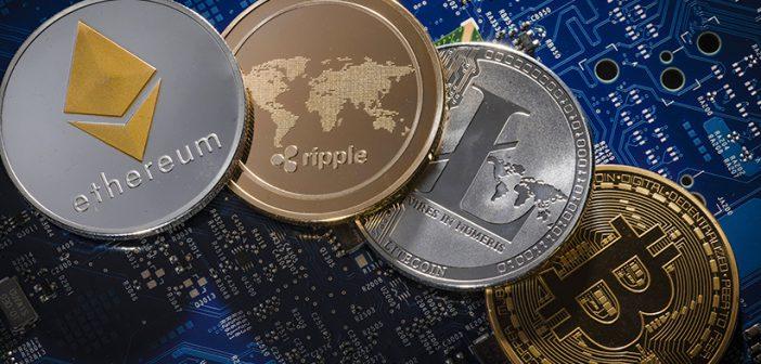 Münzen von Ethereum, Litecoin, Bitcoin und Ripple