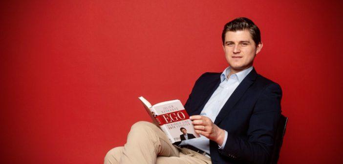 EGO: Julien Backhaus mit neuem Buch